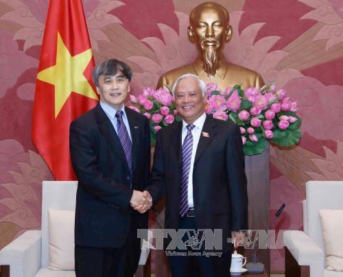 国会副主席汪周刘会见国际合作社联盟代表团 hinh anh 1