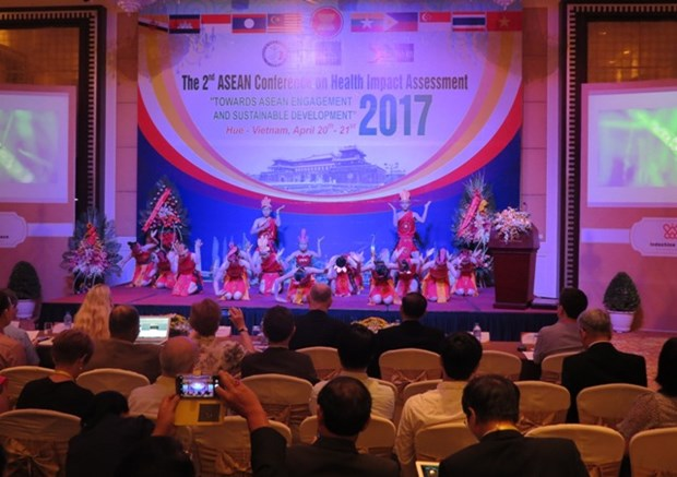 东盟有关健康影响评估的会议在承天顺化省举行 hinh anh 1