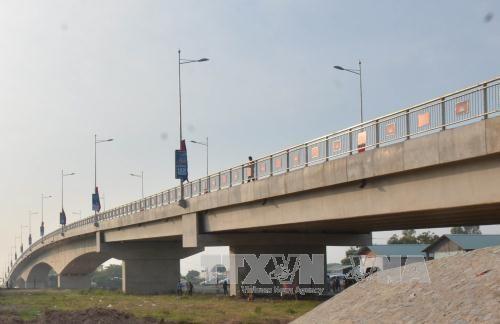 越南与柬埔寨跨境大桥正式竣工通车 hinh anh 2