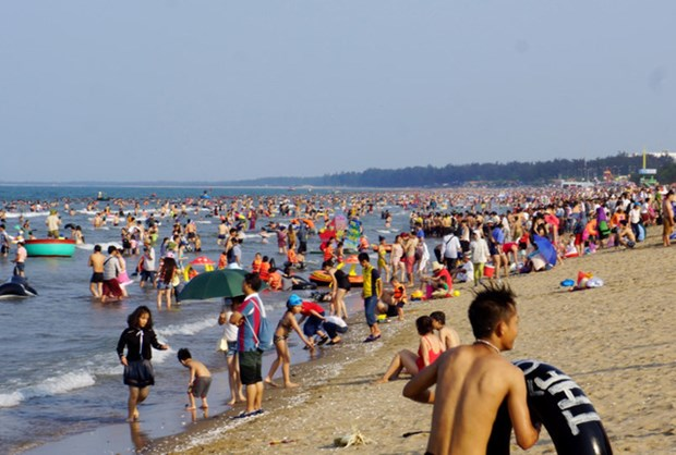 越南南方解放日和五一国际劳动节假期全国接待游客量猛增 hinh anh 3