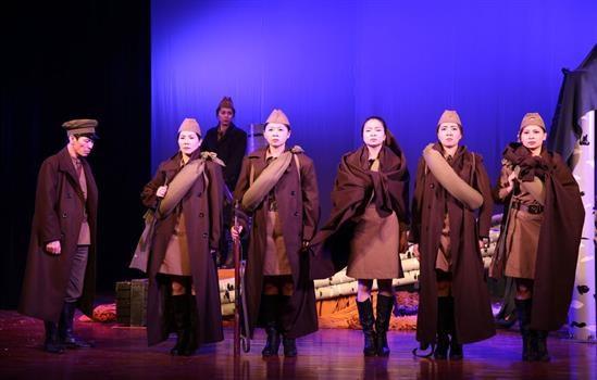 越南军队歌舞剧院艺术代表团赴俄罗斯表演 hinh anh 1