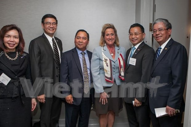 美国议员希望发展同越南和东盟的关系 hinh anh 1