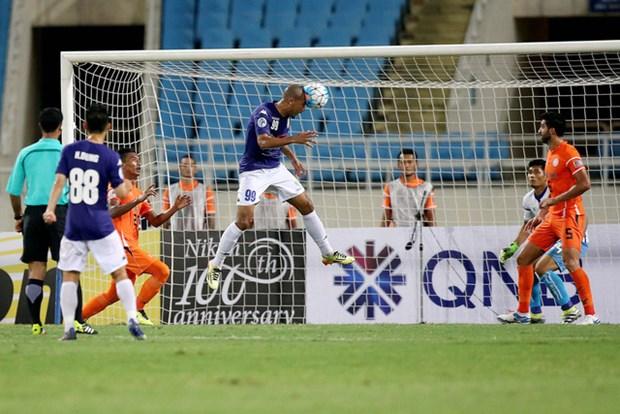 2017年亚足联杯:河内4-1 Felda United仍出局 hinh anh 1