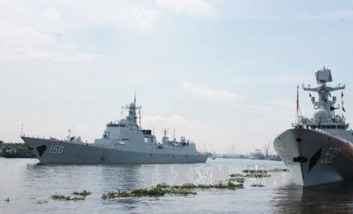 中国海军舰艇编队访问越南胡志明市 hinh anh 2