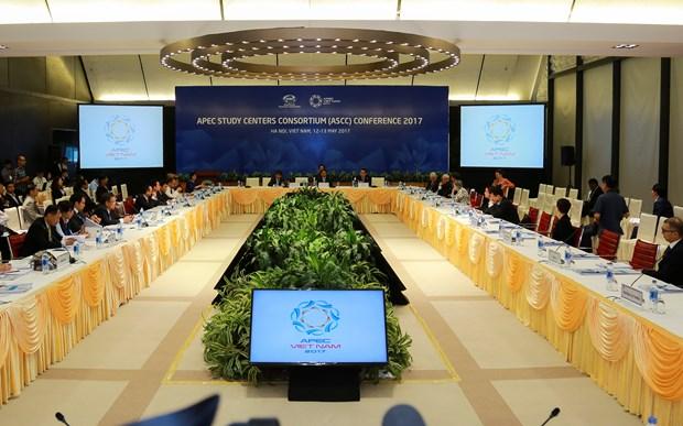 2017年APEC会议:APEC研究中心联席会议 聚集讨论推动亚太包容性可持续发展措施 hinh anh 1