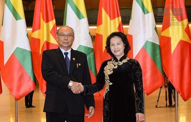 越南国会主席阮氏金银与缅甸上议院议长曼温凯丹举行会谈 hinh anh 1