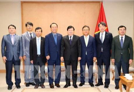 越南政府副总理郑廷勇会见韩国南方电力公司董事长 hinh anh 1