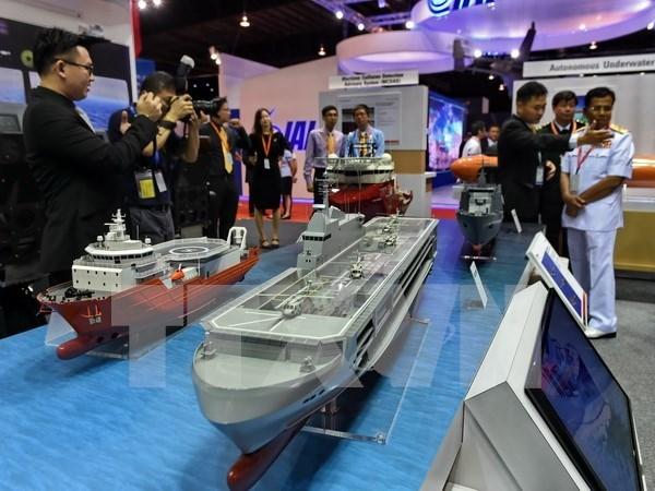 越南参加第11届新加坡亚洲国际海事防务展 hinh anh 1