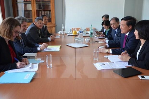 越南最高人民法院院长阮和平对法国进行工作访问 hinh anh 1