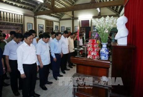 国内外各地举行纪念胡志明主席诞辰127周年活动 hinh anh 1