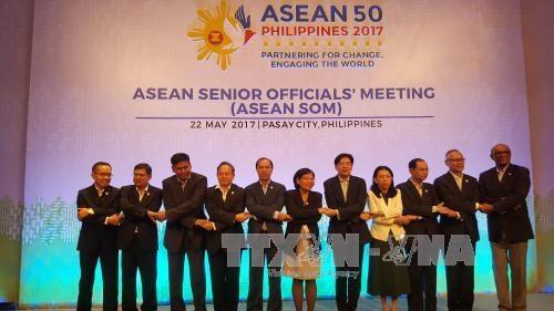 东盟高官会在菲律宾举行 讨论落实第30届东盟峰会共识的措施 hinh anh 1