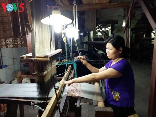 万福丝绸纺织村——千年传统 hinh anh 3