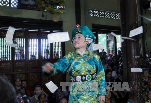 林宫圣母祭祀信仰节在安沛省精彩举行 hinh anh 2