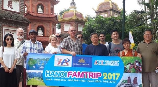 澳大利亚17家旅行社和新闻媒体赴越考察旅游线路 hinh anh 1