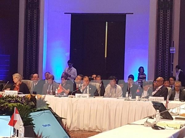 东盟地区论坛高官会议在菲律宾举行 hinh anh 1