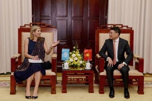 越南国家银行行长与荷兰王后就普惠金融问题展开讨论 hinh anh 1
