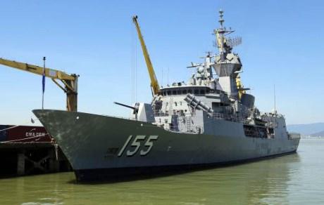 """澳大利亚海军""""巴拉腊特""""号护卫舰访问越南岘港市 hinh anh 1"""