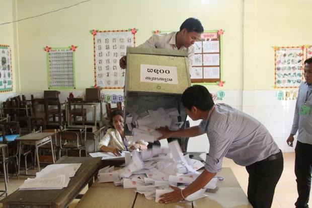 柬埔寨国家选委会确认人民党在乡分区理事会选举获胜 hinh anh 1