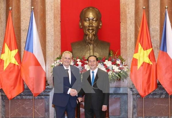 陈大光主席举行仪式欢迎捷克总统访越 hinh anh 1