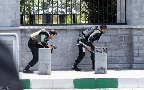 越南强烈谴责针对伊朗平民的两起恐怖袭击事件 hinh anh 1