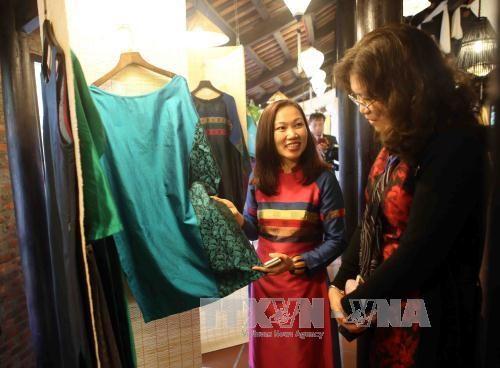 第六届广南省遗产节:推崇越南传统丝绸文化 hinh anh 1