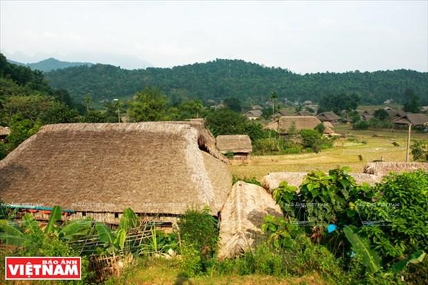 河江市的草屋村——国内外游客的有趣旅游点 hinh anh 1