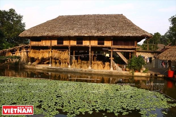 河江市的草屋村——国内外游客的有趣旅游点 hinh anh 2
