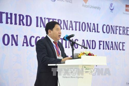 会计与金融国际研讨会在越南岘港市举行 hinh anh 1