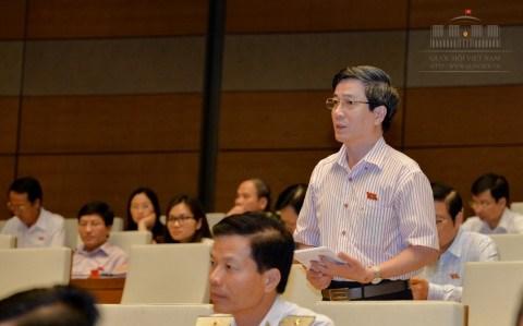 越南国会讨论《公债管理法修正案(草案)》 hinh anh 1