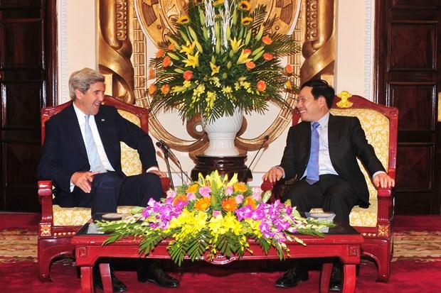 政府副总理兼外长范平明会见美国前国务卿约翰·克里 hinh anh 1