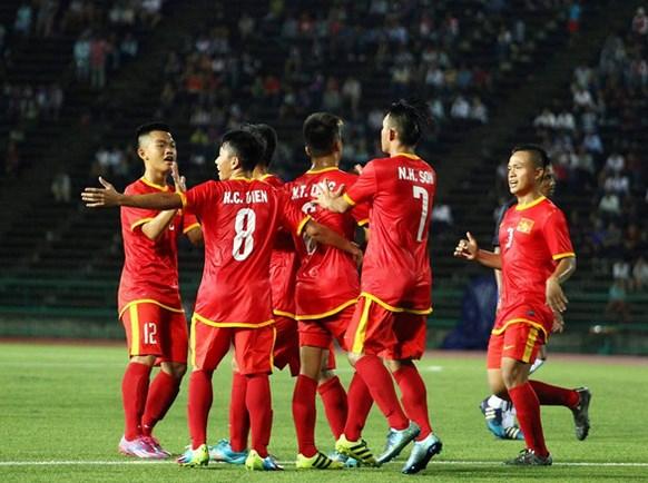 友谊赛:越南U17男足队4:0大胜柬埔寨U17男足队 hinh anh 1