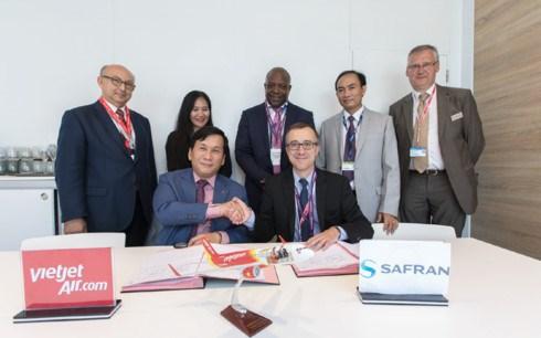 越捷航空公司与赛峰集团签署优化飞机燃油消耗措施合同 hinh anh 1