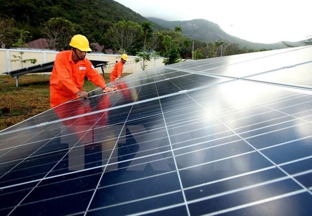 输出功率100兆瓦的太阳能发电站将在隆安省兴建 hinh anh 1