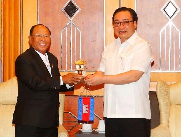 河内市委书记黄忠海会见柬埔寨国会主席韩桑林 hinh anh 1