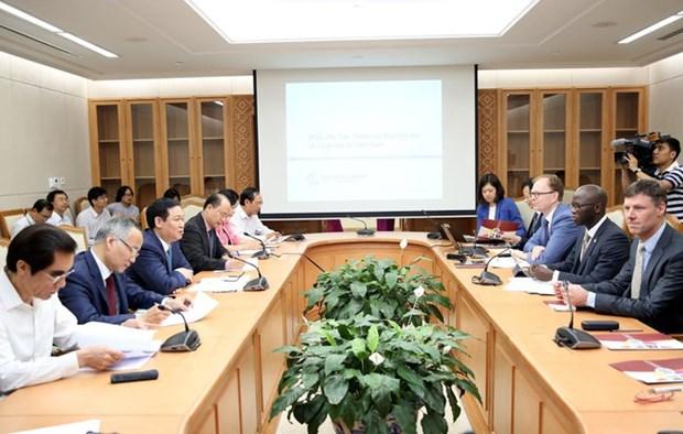 越南努力创造贸易便利化、发展物流业和建设国家一门式口岸 hinh anh 1