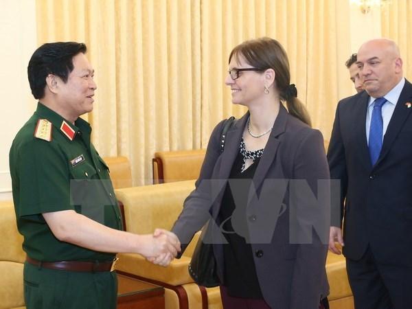 吴春历大将会见以色列驻越大使埃隆·沙哈尔 hinh anh 1