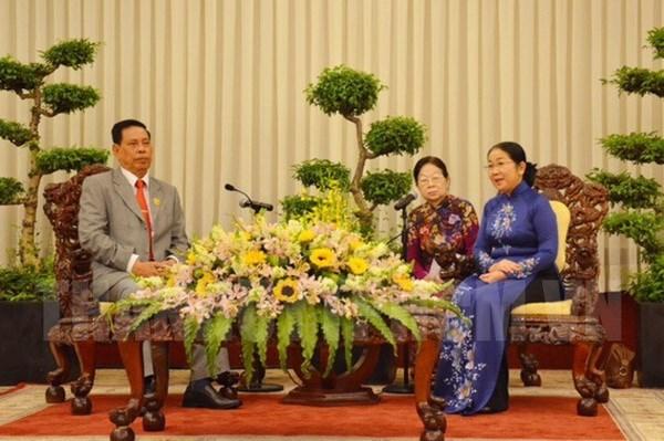 越南胡志明市与柬埔寨加强阵线工作合作 hinh anh 1