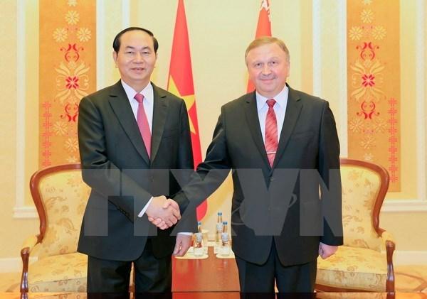 越南国家主席陈大光会见白俄罗斯总理安德烈•科比亚科夫 hinh anh 1