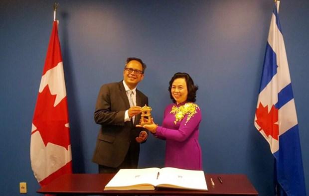 河内市与加拿大和美国各地方加强全面合作 hinh anh 1
