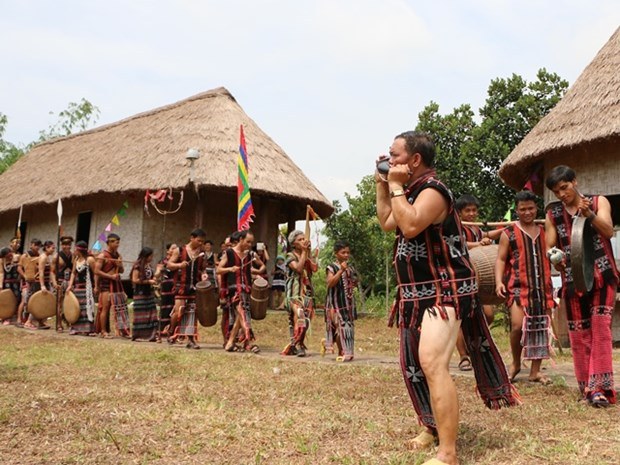 """题为""""西原之声""""的一系列活动即将亮相越南各民族文化旅游村 hinh anh 1"""