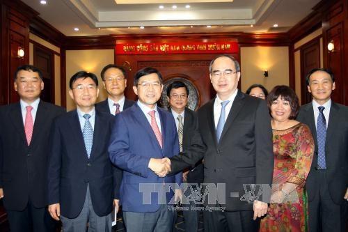 胡志明市企业愿意参与三星(越南)电子有限责任公司的全球供应链 hinh anh 1
