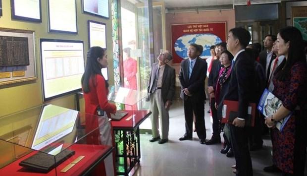 黄沙、长沙归属越南—— 历史和法律证据阮朝木板和朱版展会在林同举行 hinh anh 1
