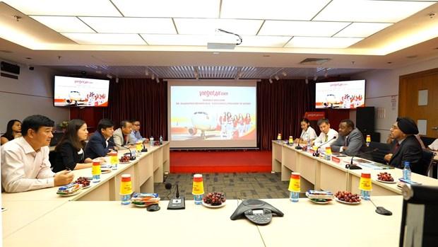 国际民用航空组织理事会主席对越捷航空公司的活动表示印象深刻 hinh anh 2