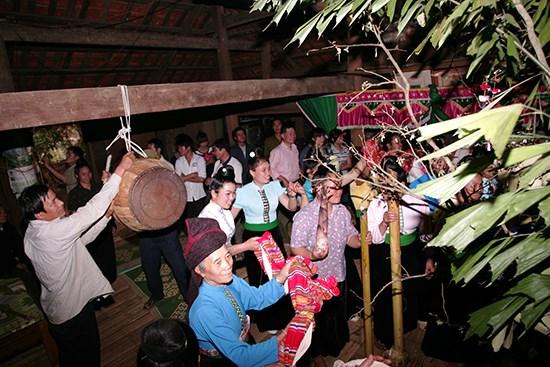 保护与弘扬越老边境地区传统文化价值 hinh anh 1