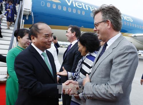 越南政府总理阮春福抵达阿姆斯特丹 开始对荷兰进行访问 hinh anh 3
