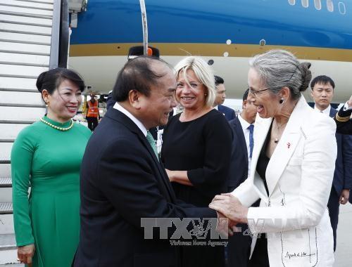 越南政府总理阮春福抵达阿姆斯特丹 开始对荷兰进行访问 hinh anh 2