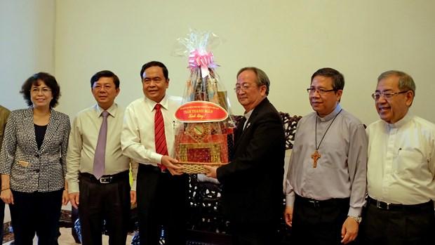 越南祖国阵线中央委员会主席走访胡志明市宗教神职人员 hinh anh 1