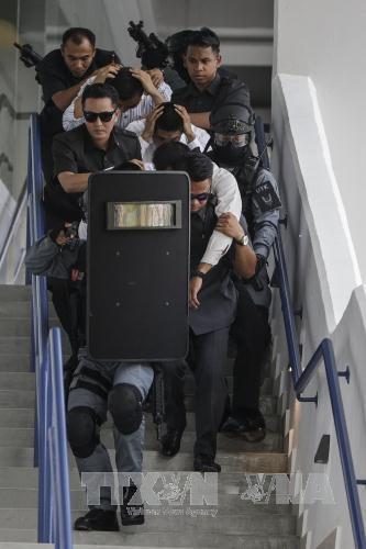 马来西亚警方进行防恐演习确保东运会安全 hinh anh 1