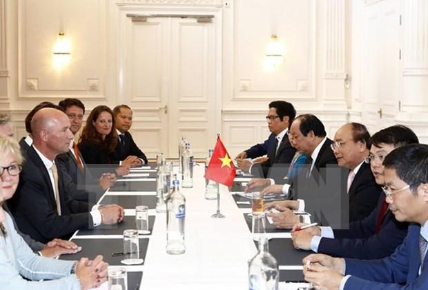 阮春福总理会见荷兰部分协会和知名企业高层 hinh anh 2