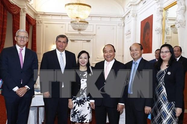 阮春福总理会见荷兰部分协会和知名企业高层 hinh anh 1